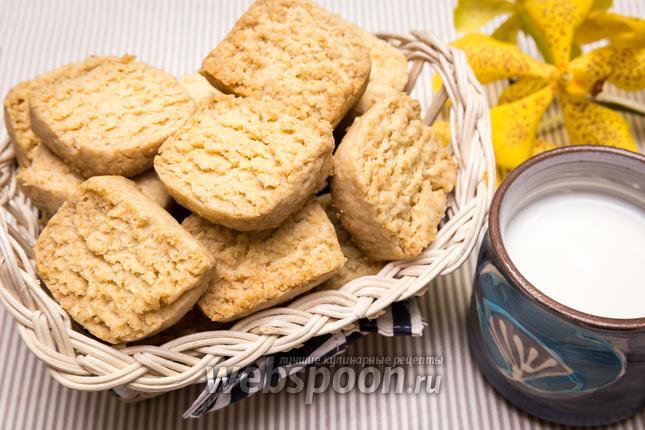 Фото Песочное печенье с кокосовой стружкой