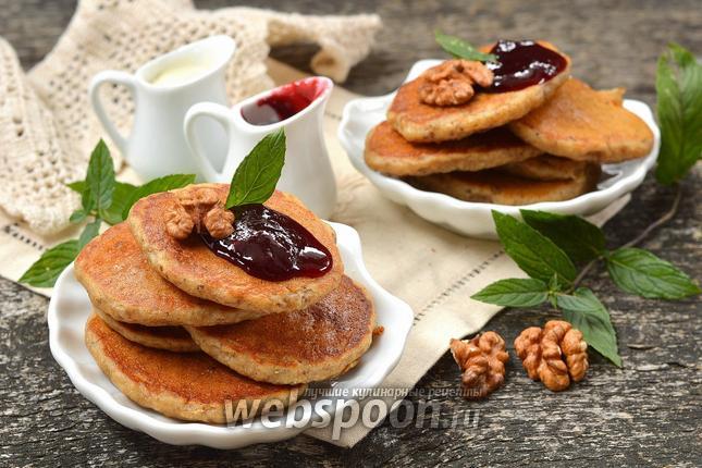 Фото Дрожжевые оладьи с орехами