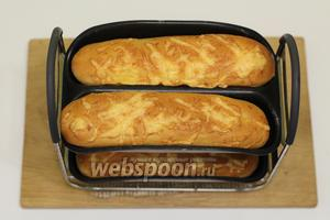 Багеты с сыром, в хлебопечке готовы. Сразу же подаём к столу. Готовьте с удовольствием и приятного вам аппетита!