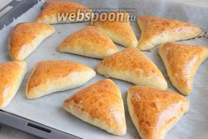 Ставим в разогретую до 180°С духовку на 25 минут. И вот они красавцы! Мягкие, нежные и вкусные! Угощайтесь!