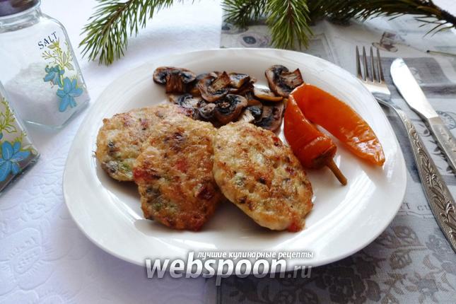 Фото Рубленные куриные котлеты со сладким перцем
