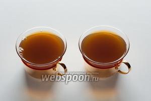 Что хорошо в чайном гроге — алкоголь в него вводится в последнюю очередь, количество и вид зависит от желания того, кому из этой чашки пить.