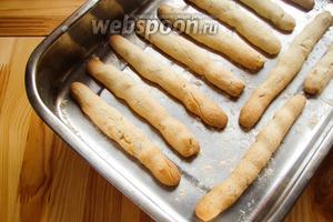 Готовые ореховые палочки с цукатами остужаем и можно кушать. Приятного аппетита!