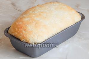 Выпекаем рисовый хлебушек на пару (подставив на дно духовки миску с водой) при 220 градусах 20 минут, затем без пара еще 20 минут при 190 градусах..