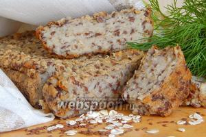 Ячменный хлеб с семенами льна
