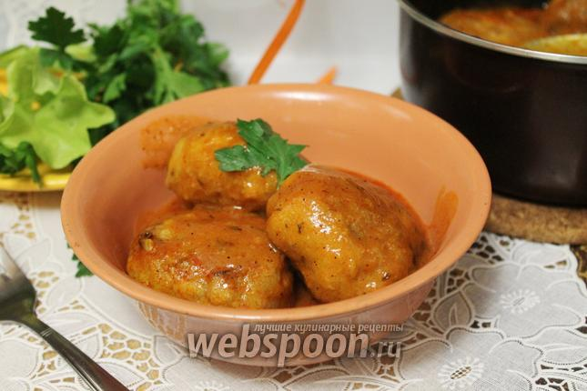 Фото Биточки в томатном соусе с тимьяном