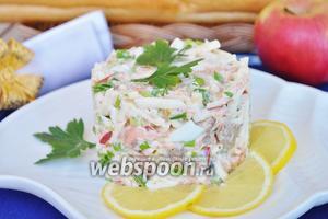 Салат из вареной красной рыбы