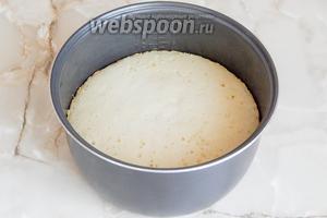 Готовим бисквит на программе Выпечка ровно 100 минут - то есть 1 час 40 минут. Если у вам прибор по мощнее, смотрите на готовность уже через 1-1.10.