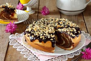 Кекс с ликёром и фундуком