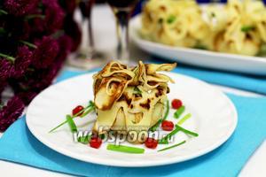 Блинные мешочки с картофелем, фаршем и перцем