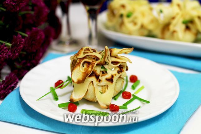Фото Блинные мешочки с картофелем, фаршем и перцем