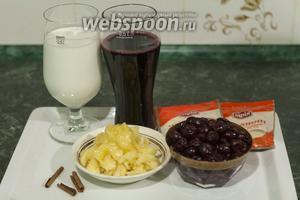 Сливаем консервированную вишню, жидкость добавляем в вишнёвый сок. Козье свежее молоко процеживаем. Палочки корицы мелем в кофемолке. Мёд используем густой, он растворится во время приготовления желе.