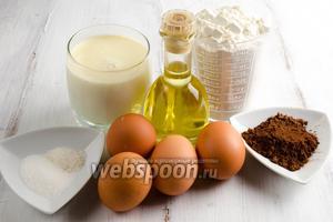 Чтобы приготовить блинчики, нужно взять сливки (я использовала жирные домашние), тёплую воду, яйца, муку, подсолнечное масло, соль, сахар; для рисунка какао порошок, сахар, воду.