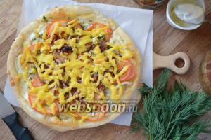 Пицца с кальмаром и осьминогом