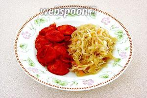 При подаче к столу гарнировать овощным салатом или другим овощным гарниром (например, тушёной квашеной капустой).