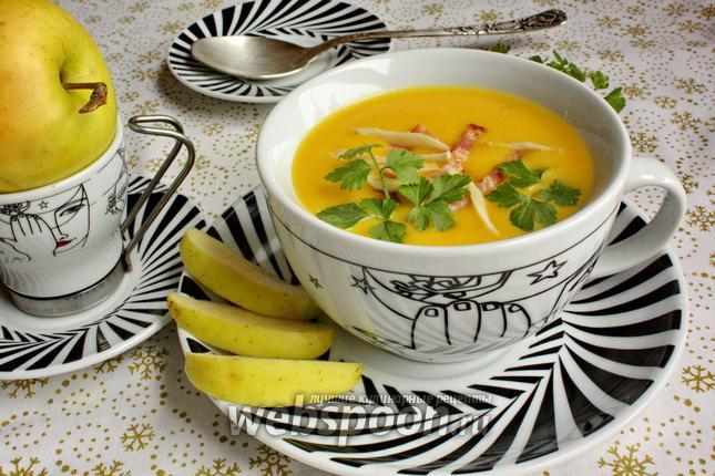 Фото Овощной крем-суп с беконом и хреном