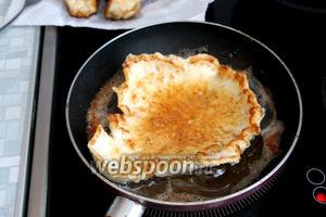 В такой оладушек можно уложить рыбу, полить сметанно-хреновым соусом и кушать, очень вкусно.