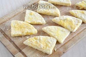 Повторите шаги 3 и 4. Ломтики сыра готовы для обжаривания.