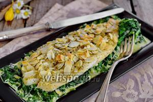 Пангасиус на подушке из сливочного шпината