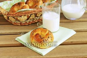 Апельсиновые булочки с миндальной начинкой