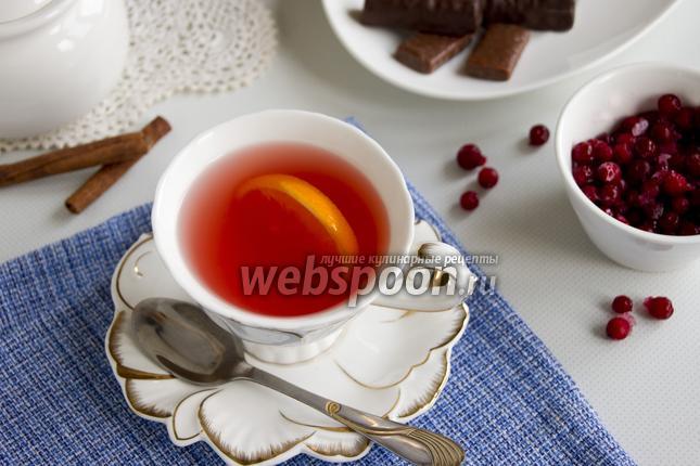 Фото Зелёный чай с брусникой и апельсином