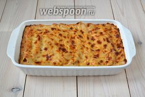 Запекайте каннеллони с рикоттой и шпинатом в духовке при 180°С 30 минут, а затем ещё минут 10, увеличив температуру до 200°С, чтобы зарумянился сыр.