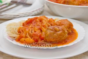 Тефтели с овощами в томатно-мандариновом соусе