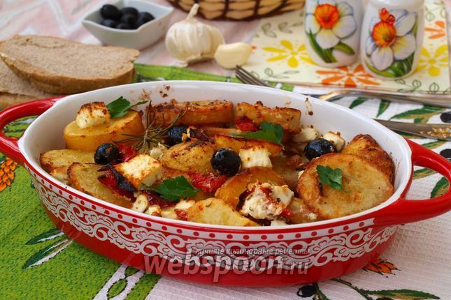 Фото Сковорода с картофелем по-гречески