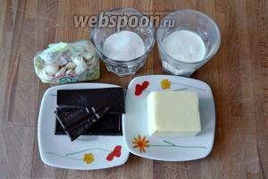 Для крема потребуются сливочное масло, тёмный шоколад, сливки, сахар, коньяк.