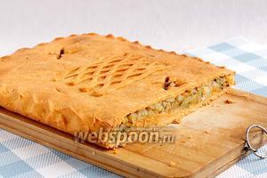 Приятного аппетита! Пирог получился рыхлый и сочный.