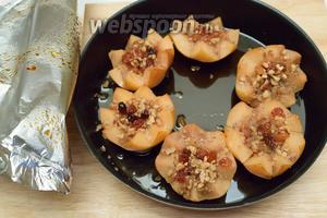 Через 1 час фрукты будут готовы. Они получились мягкими и ароматными.