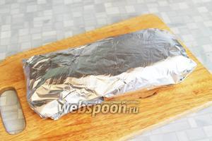 Завернуть мясо в фольгу и оставить при комнатной температуре на 4 суток.