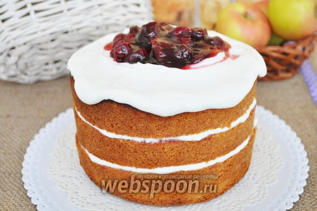 Фото Голый торт с творожным кремом и пьяной вишней