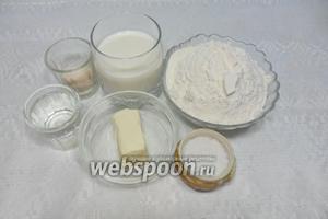 Для приготовление венских мини-багетов нам понадобится соль, мука, молоко, вода, сливочное масло, дрожжи сухие.