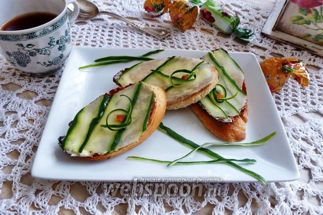 Фото Бутерброд с огурцом по-английский