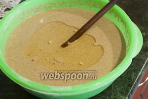 Добавляем растительное масло и оставляем тесто на 20-30 минут, чтобы оно пришло в свою лучшую форму для жарки.