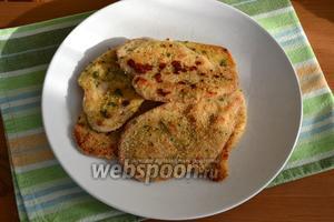 Готовые отбивные подавайте с зелёным салатом, с овощами... Или с любым другим вашим любимым гарниром!