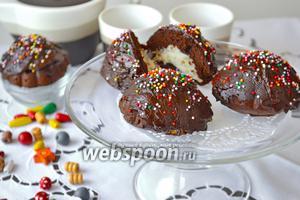 Шоколадные пирожные с кокосом