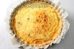 Наш пирог с шампиньонами и сыром готов. Приятного аппетита!