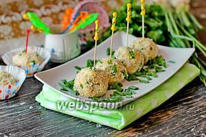 Салатные шарики c печенью трески в кунжуте