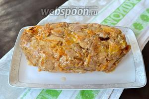 Перед подачей выложить террин на блюдо. Подавать, нарезав ломтиками, с зелёным салатом. Приятного аппетита!