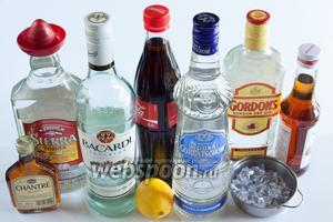 У истинного лонгайлендца должны стоять джин, водка, текила, ром, трипл сек (это семейство апельсиновых ликёров крепостью выше 30°), кола, лимон, дроблёный лёд и сахарный сироп.