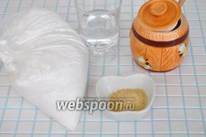 Для приготовления мастики потребуется качественная и очень тонкая сахарная пудра, желатин, мёд Внимание — 125 миллилитров или 175 г! В данном случае это одно и то же количество мёда, так как 175 грамм мёда занимает именно 125 мл объёма.