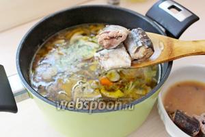 В конце добавить консервированную сайру, довести суп до кипения и снять с плиты.