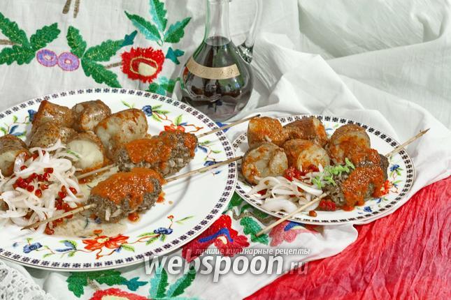 Фото Кюфта-кебаб с луково-гранатовым салатом