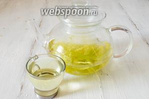 Липовый чай из «крылышек» готов. Добавлять в чай сахар не рекомендуется, поскольку в нём уже содержится природный сахар.