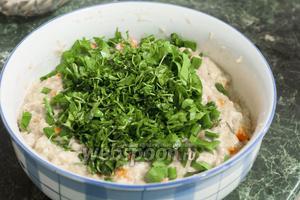 Для максимальной витаминизации блюда используем чистяк весенний и укроп.