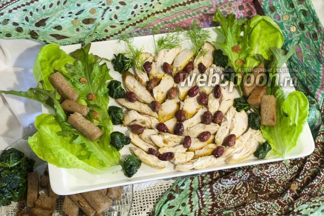 Фото Жаркое из куриной грудки с кизилом