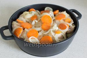 А затем тушёные овощи с бульоном.