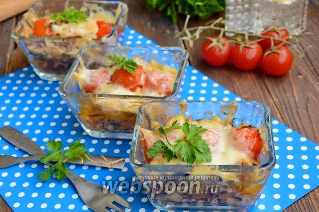 Фото Куриная грудка с орехами, помидорами черри и шампиньонами